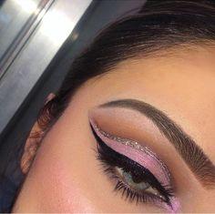 Glitter cut crease // Patrizia Conde