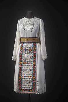 Victorian, Dresses With Sleeves, Costumes, Traditional, Folk, Long Sleeve, Fashion, Journals, Moda
