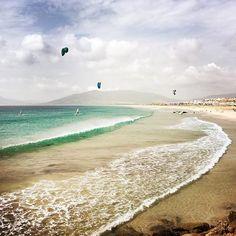 From kleinplanet311Levante is on!  #tarifa #cadiz #cadizfornia #costadelaluz #spain #levante #swell #balneario #playa #beach #sea #ocean #mar #atlantic #wave #waves #surf #surfer #surfing #kitesurf #kiteboarding #outdoor #nature #wanderlust #travel #travelbug #travelphotography #reise #urlaub #kitesurfing #kiteboarding #kitesurf #kiteboard