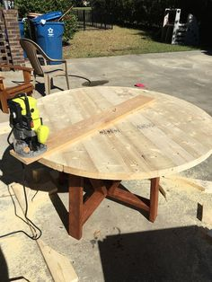Collection of 1600 Woodworking Plans - diy round trestle dining table, diy, painted furniture, woodworking projects Get A Lifetime Of Project Ideas and Inspiration! Easy Wood Projects, Woodworking Projects Diy, Woodworking Furniture, Furniture Plans, Woodworking Plans, Diy Furniture, Project Ideas, Furniture Makeover, Woodworking Articles