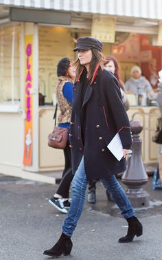 Emmanuelle Alt ... and i'm wowed :) And, on the hunt for the perfect newsboy cap!