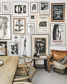 Dreaming of the perfect gallery wall but feeling intimidated by the process? Then check out these smart tips to easily get the look you want! Kitchen Gallery Wall, Eclectic Gallery Wall, Gallery Wall Frames, Photo Wall Decor, Wall Decor Design, Modern Wall Decor, Galley Wall, Natural Home Decor, Inspiration Wall
