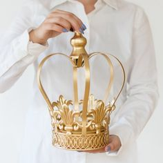 Gold Crown Centerpiece, Gold Crown, Large wedding cake topper - New Site Royal Wedding Themes, Royal Theme, Royal Party, Baby Shower Princess, Baby Princess, Baby Boy Shower, Princess Theme, Crown Centerpiece, Wedding Centerpieces