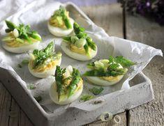 Ένα γρήγορο και εύκολο ορεκτικό που θα σας ανοίξει την όρεξη. Είναι επίσης και ένας έξυπνος τρόπος να αξιοποιήσετε τα βρασμένα αυγά που σας έχουν περισσέψει από το Πάσχα.