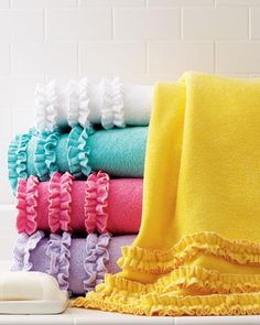 Love these adorable ruffled bath towels