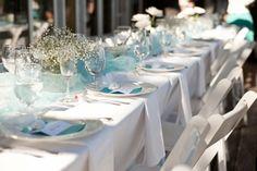 décoration table mariage de style bord de mer en blanc et bleu