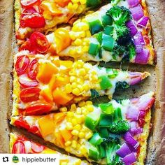 How fun does this rainbow pizza look! Kids will eat lots of yummy vegetables and have fun making this pizza with you. Rainbow Pizza, Rainbow Food, Rainbow Snacks, Rainbow Parties, Rainbow Sweets, Kids Rainbow, Rainbow Birthday Party, Eat The Rainbow, Baby Food Recipes