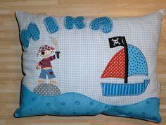 Kissen - Kuschelkissen, Kinderkissen Pirat - ein Designerstück von stupsnadel bei DaWanda