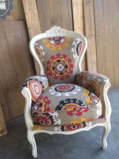 Opnieuw gestoffeerde fauteuil. Vrolijk en modern. @Oudisnieuw