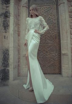 Love the lace long sleeves on this beautiful bridal ♥gown