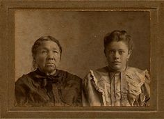 Pataleka (aka Rachel Ketchum-Wolfe-Anderson), and her daughter, Rachel Anderson-Wilkins - Delaware - before 1911