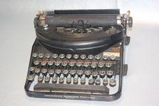 Underwood Noiseless Portable typemachine, 1937.