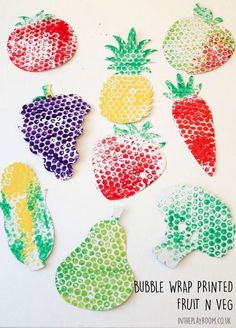 Bubble Wrap Printed fruit and veg craft for kids. Simple but effective Bubble Wrap Printed fruit and veg craft for kids. Simple but effective The post Bubble Wrap Printed fruit and veg craft for kids. Simple but effective appeared first on Pink Unicorn. Kids Crafts, Food Crafts, Toddler Crafts, Arts And Crafts, Harvest Crafts For Kids, Decor Crafts, L'art Du Fruit, Fruit And Veg, Fun Fruit