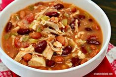This Super easy and slightly spicy Chicken Chili Recipe is filling, comforting and zero points on Weight Watcher's Freestyle Program… Ingredients 2 cups cooked chicken, shredded ½ cup chopped onions 1 can 15 oz pinto beans 1 can 16 oz. Chili Recipes, Soup Recipes, Chicken Recipes, Cooking Recipes, Healthy Recipes, Cooking Chili, Ww Recipes, Healthy Meals, Healthy Chili