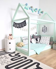 We're loving the combo of minty green and monochromes http://petitandsmall.com/green-decor-ideas-boys-room/ #kidsroom
