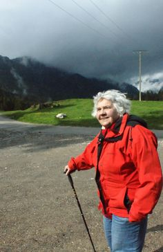In 2012 Suzanne Séjournant is 90 years old. On her blog she shares stories (in French) and pictures (Universal Language) that are proof of her having been a globetrotter for 60 years.