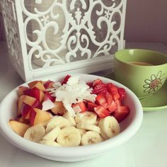 ako pripravim mix fruit kasu Mixed Fruit, Sweet Desserts, Keto Dinner, Oatmeal, Breakfast, Fitness, Recipes, Smoothie, Food