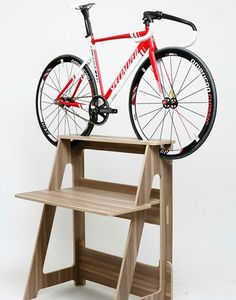 Modern Interior Design and Space Saving Storage Ideas for Bicycle Enthusiasts Indoor Bike Rack, Indoor Bike Storage, Bicycle Storage, Bicycle Stand, Bicycle Rack, Bike Stands, Trike Bicycle, Wooden Bicycle, Rack Velo