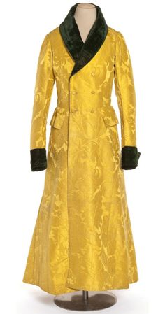 Brilliant, dazzling yellow silk damask man's dressing gown, Robe de chambre d'homme, Damas de soie, velours coupé. 1800s Fashion, 19th Century Fashion, Victorian Fashion, Vintage Fashion, Antique Clothing, Historical Clothing, Men's Robes, Vintage Outfits, Period Outfit