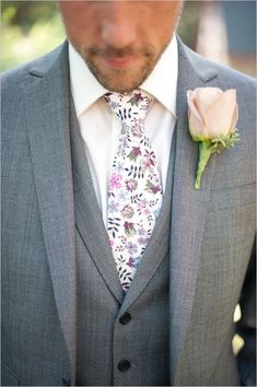love the groom's gray suit and paisley tie!!  ~  we ❤ this! moncheribridals.com