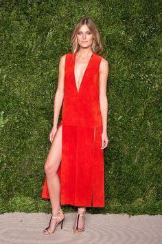 Constance Jablonski en robe Wes Gordon à la soirée des CFDA à New York http://www.vogue.fr/mode/inspirations/diaporama/les-meilleurs-looks-de-la-semaine-novembre-2015/23508#constance-jablonski-en-robe-wes-gordon-la-soire-des-cfda-new-york