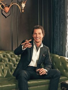 Discover recipes, home ideas, style inspiration and other ideas to try. Matthew Mcconaughey Young, Cool Attitude, Christopher Nolan, Gentleman Style, Looks Cool, Esquire, Beautiful Men, Sexy Men, Believe
