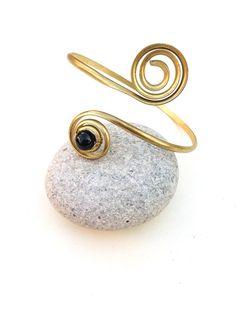 Brass Arm cuff with black Onyx, Gold armlet, Upper arm bracelet, Gold arm cuff, Arm jewelry, brass arm cuff, sexy, boho, gypsy, tribal, Gift
