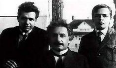 Einstein with his sons: Edward (right), Hans-Albert (left).