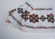 Vintage, Ukrainian Traditional Towel, Embroidery, Table Center Piece.