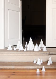 Little white Christmas trees for your whole apartment | Xmas decoration . Weihnachtsdekoration . décoration noël | @ 79 Ideas |
