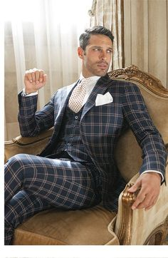 Pin od piotr na o w 2019 fashion, mens fashion i men dress. Fashion Mode, Moda Fashion, Sharp Dressed Man, Well Dressed Men, Mens Fashion Suits, Mens Suits, Mens Check Suits, Designer Suits For Men, Herren Outfit