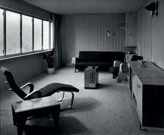 A room at the Ventrice apartment, London, 1936. © Photo Mark Oliver Dell and H. L. Wainwright / Architectural Review – Marcel. Breuer Papers, Archives of American Art, Washington, D.C. / http://www.yatzer.com/Marcel-Breuer-design-architecture