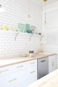 New kitchen tiles ideas hardware 50 Ideas White Kitchen Cabinets, Kitchen Tiles, Kitchen Colors, New Kitchen, Kitchen Dining, Kitchen Decor, White Cabinet, Ikea Cabinets, Ikea Tiles