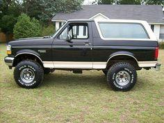 Broncos Pics, Broncos Pictures, Classic Bronco, Classic Ford Broncos, Cool Trucks, Big Trucks, Hunting Truck, Ford Bronco For Sale, Bronco Truck