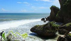Untuk memudahkan mencapai Objek Wisata Pantai Ngobaran Gunung Kidul ini adalah dengan mengikuti papan petunjuk arah menuju Pantai Ngrenehan