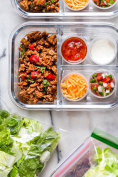 Taco Salad Meal Prep Taco Salad Meal Prep This delicious Turkey Taco Salad is perfect to meal prep, to make ahead for lunch for the week! I took my easy, go-to turkey taco recipe and turned it into. Lunch Meal Prep, Healthy Meal Prep, Healthy Eating, Clean Eating, Lunch Recipes, Cooking Recipes, Healthy Recipes, Menu, Prepped Lunches