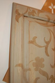 diy painted and stenciled cabinets Diy Painting, Home Diy, Painted Furniture, Paint Colors, Home Crafts, Vintage House, Furniture Finishes, Fall Decor, Home Projects
