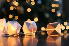 I used to make these when I was younger, I learned it in Girl Scouts <3 Cute DIY Paper Cube String Lights