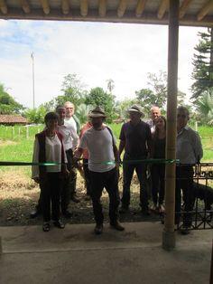 www.bambuturismo.com  El día jueves 19 de Noviembre se realizó la inauguración de la caseta de ingreso al Paraíso del Bambú y la Guadua, con la presencia de los miembros de la #JuntaDirectiva de la #SociedadColombianadelBambú y del arquitecto #SimónVélez, diseñador y constructor de la misma.