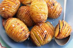A simple Hasselback potatoes recipe for you to cook a great meal for family or friends. Buy the ingredients for our Hasselback potatoes recipe from Tesco today.
