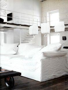 Un loft ethnique & poétique en noir et blanc - DecoCrush - Paola Navone