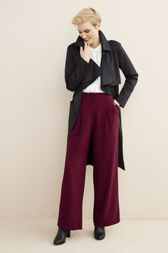 The soft trench, wear with wide leg pants and a romantic blouse or a turtle neck and tapered pants. Shoe Shop, Wide Leg Pants, Trench, Must Haves, Fashion Online, Fashion Accessories, Turtle Neck, Romantic, Plus Size
