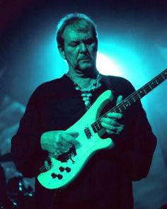 Chris Squire 4.3.1948 - 27.6.2015, british guitarist and singer