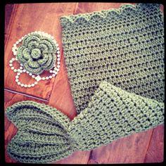 Crochet photo prop.  mommyslovebugs.etsy.com