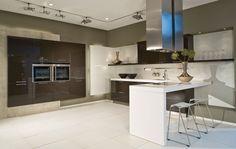 Modern Kitchen With Black Cabinets Black Kitchen Cabinets, Black Kitchens, Modern Apartment Design, Marble Island, Stone Interior, Interior Design, Inside Design, Grey Flooring, Marble Countertops