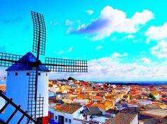 ドン・キホーテの舞台🏙  #ラマンチャ #スペイン #ドンキホーテ #風車 #街並 #風景 #空 #絶景 #海外 #spain #lamancha #windmill #cityscape #beautiful #europe #bluesky #travelgram #instagood #travelphotography #epl3 #olympus #camera #follow4follow #写真好きな人と繋がりたい #写真撮ってる人と繋がりたい #カメラ好きな人と繋がりたい #ファインダー越しの私の世界 #カメラ女子 #フォロバ100 #相互フォロー