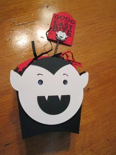 Stamp & Scrap with Frenchie: Fry box Dracula