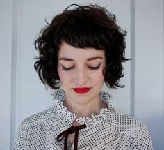 Cool and Nonchalant Curly Bob Hair