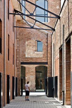 Garcés · De Seta · Bonet Arquitectes, Adrià Goula · Antigua Fabrica de Azucar de Mas de Roda · Divisare