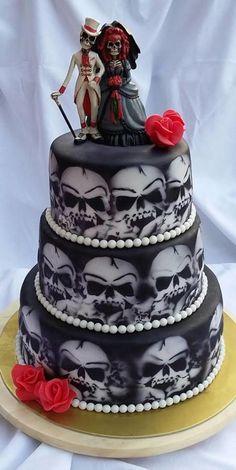 Svadobná torta- Skull cake Svadobná torta- Skull cake - Cake by Skull Wedding Cakes, Gothic Wedding Cake, Steampunk Wedding, Cake Wedding, Bolo Halloween, Halloween Wedding Cakes, Halloween Cakes, Beautiful Cakes, Amazing Cakes